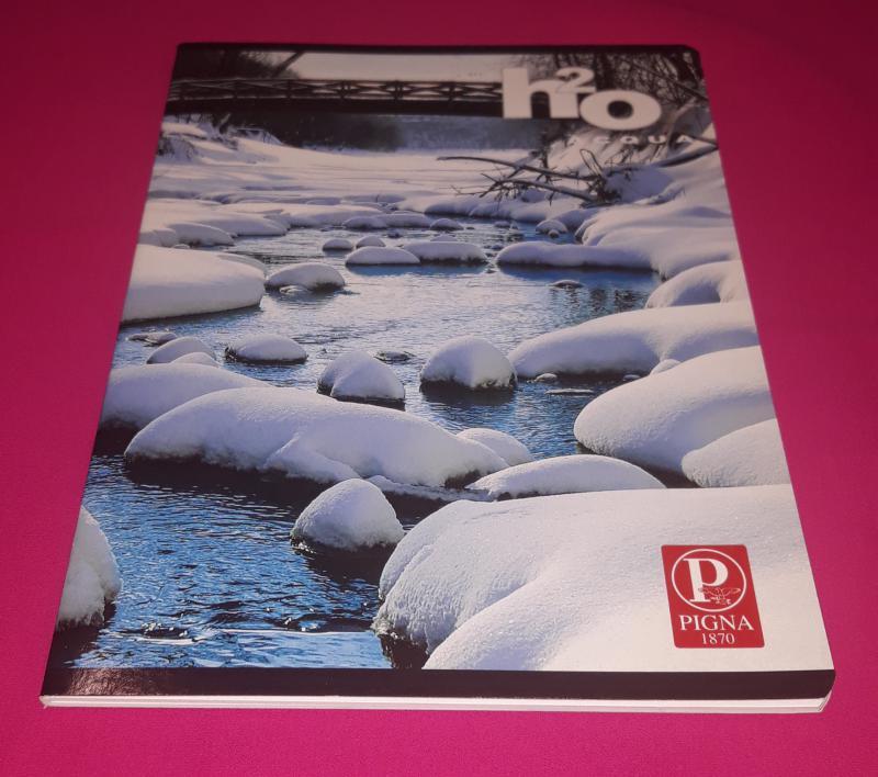 Pigna H2O Acqua kisalakú sima füzet, 32 lapos ( havas folyó híddal)