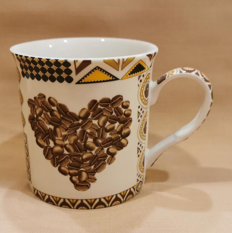 Porcelán kávés bögre, 3 mintával, 26 cl, 1 db, 243096