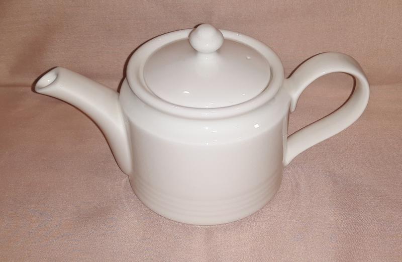 RAK Rondo porcelán teakiöntő, 40 cl, 429134
