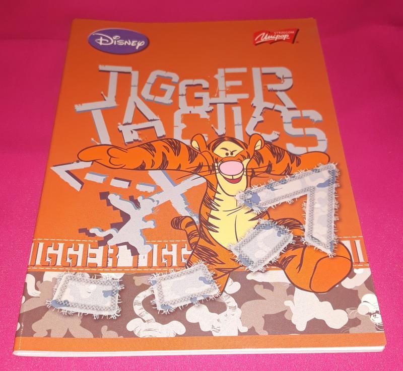 Unipap Disney Tigger Tactics (Tigrises), kisalakú vonalas-margós füzet, 12-32, 32 lapos