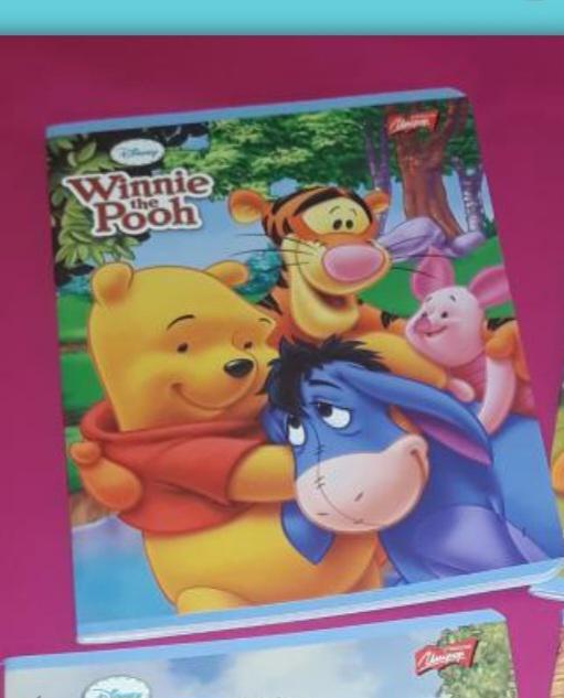 Unipap Winnie the Pooh (Micimackó) kisalakú négyzetrácsos füzet, margós, vegyes minták, 32 lapos