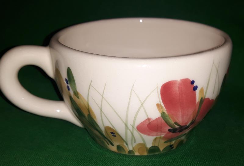 Vanilia Kerámia 43-05, tele virágos kerámia kávéscsésze, 2 dl, pipacsos, kézzel festett,  V.K.43-05