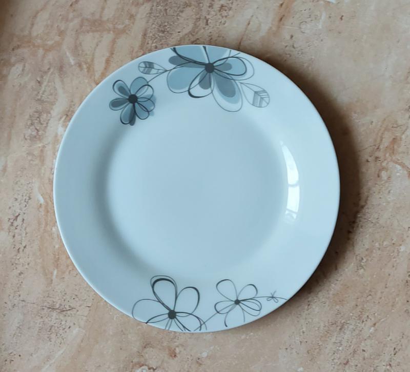 Virágos porcelán desszert tányér, 1db, 19cm