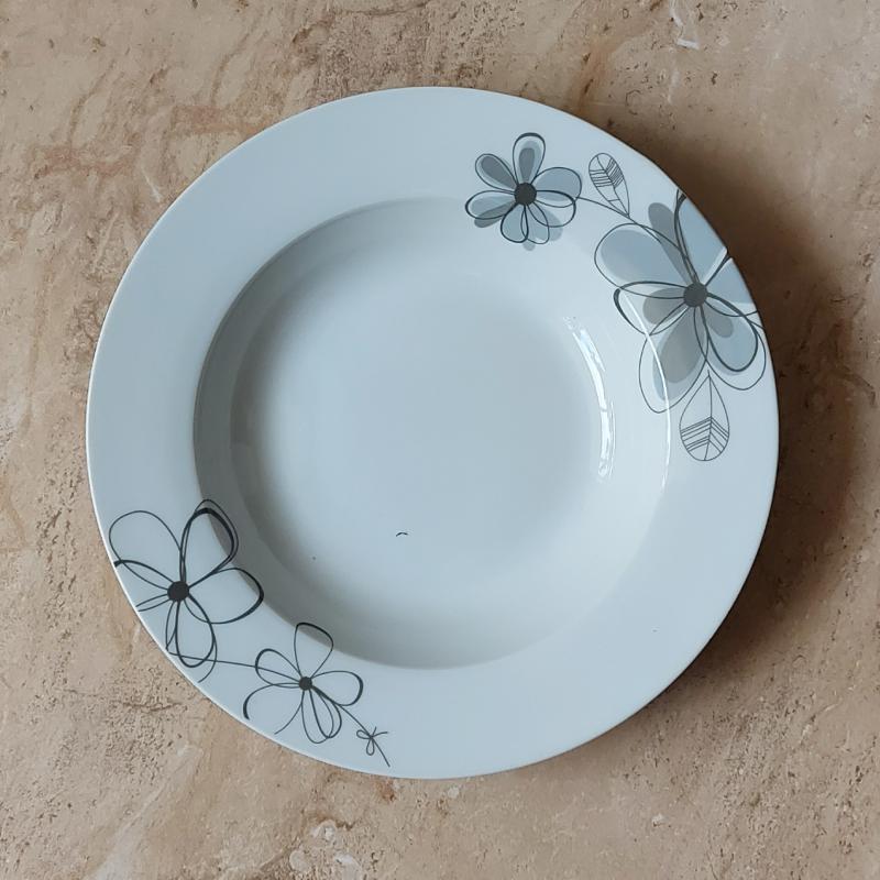 Virágos porcelán mély tányér, 1db, 21,5cm