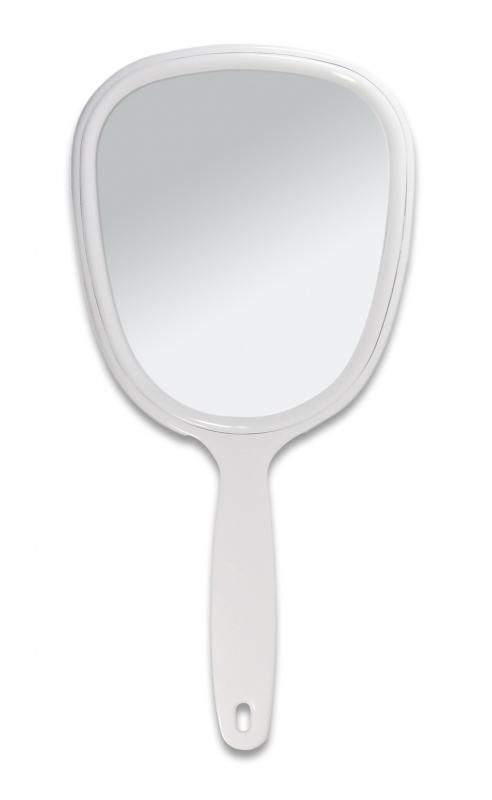Titania Kozmetikai Tükör Nyeles  28*13cm / 1530