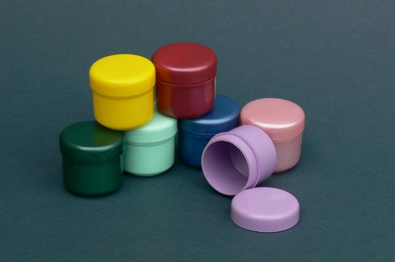 TM. Kozmetikai tégely színes vagy víztiszta 15ml