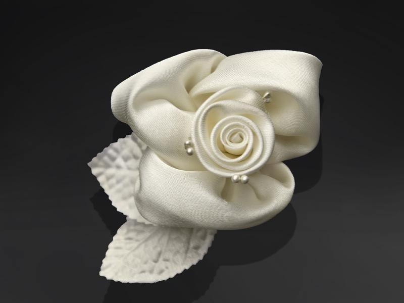 autó dekoráció – öntapadós szatén rózsa, krém