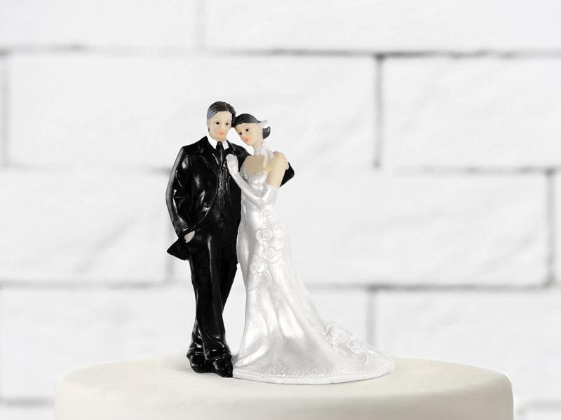 esküvői tortadísz – klasszikus, barna
