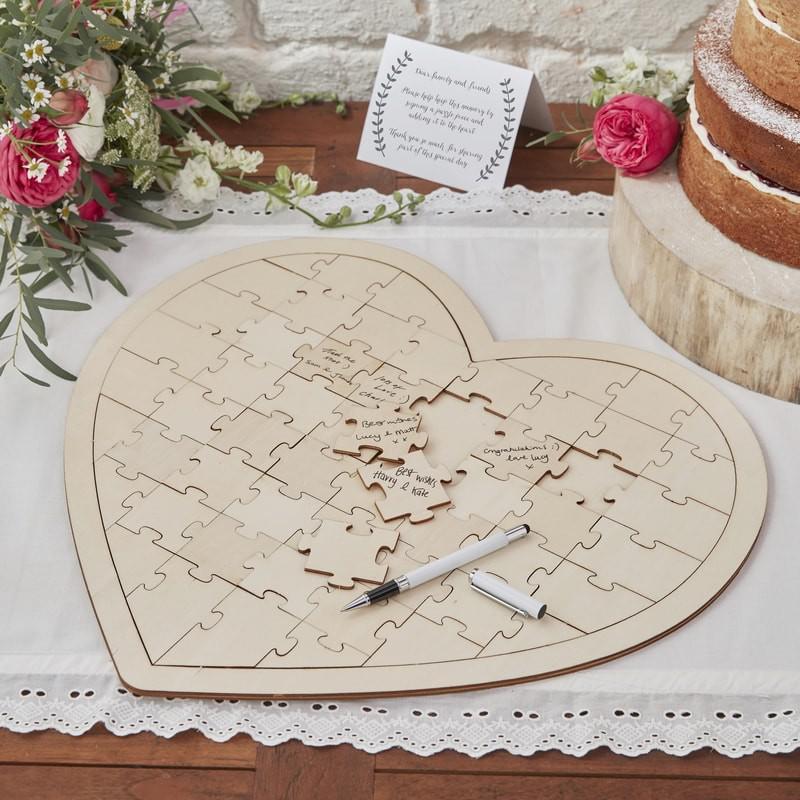 esküvői vendégkönyv (alternatív) – szív alakú fa puzzle