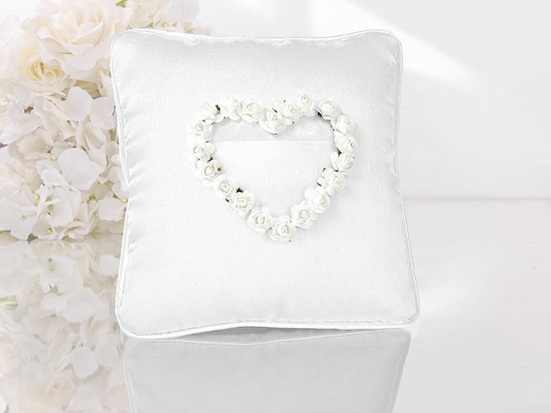gyűrűpárna – rózsa szíves, fehér