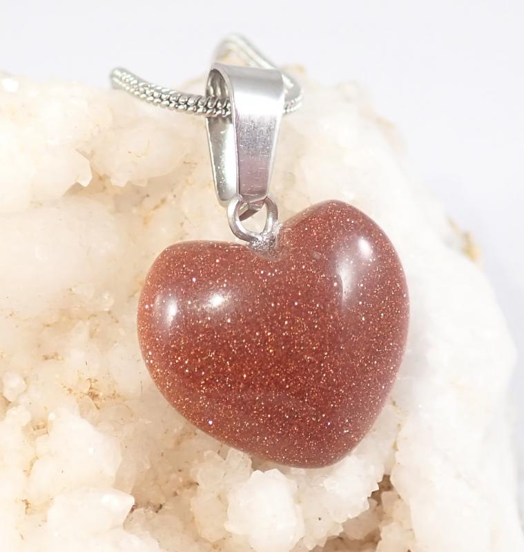 Barna napkő szív medál nyaklánccal