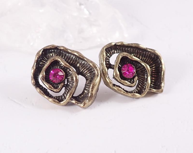 Csigavonalú bronz fülbevaló, pink