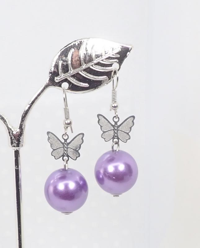 Gyöngyös-pillangós fülbevaló, lila
