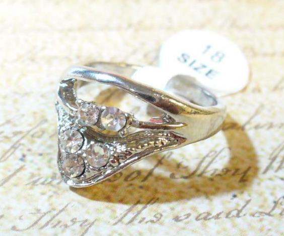 Háromszög, 5 köves gyűrű