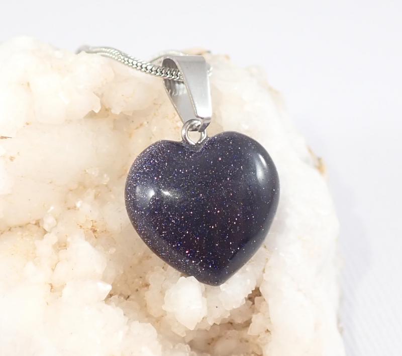 Kék napkő szív medál nyaklánccal