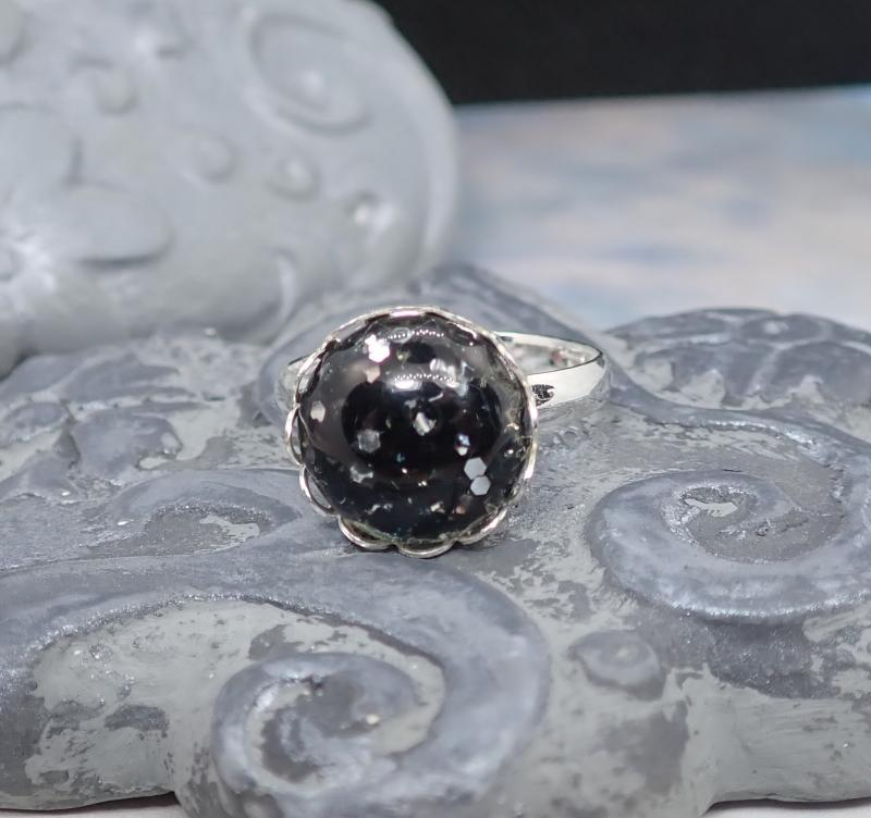 Kicsi fekete pötty gyűrű