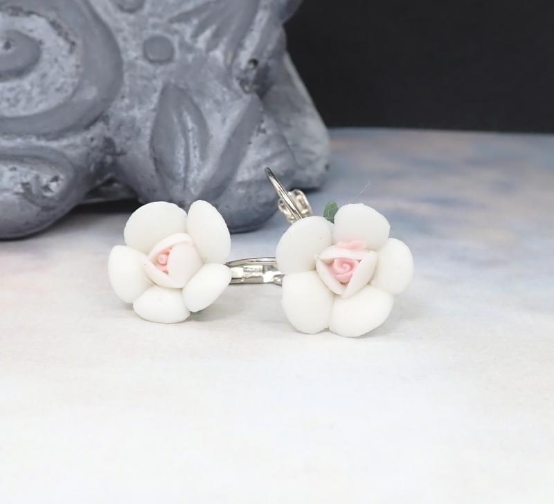 Kicsi virág fülbevaló, fehér 1