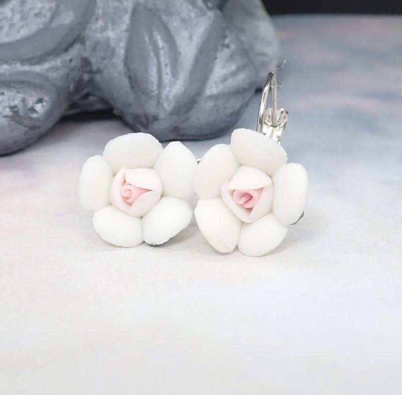 Kicsi virág fülbevaló, fehér 2