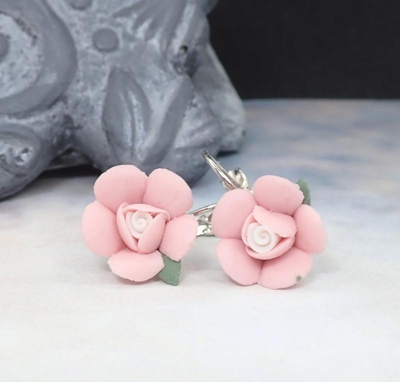 Kicsi virág fülbevaló, világos rózsaszín 1