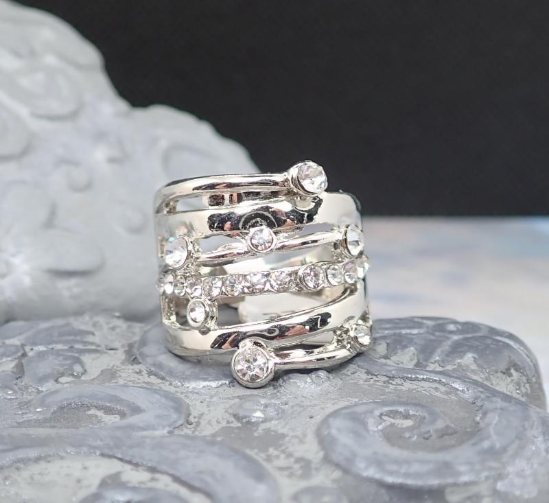 Látványos, köves gyűrű 1