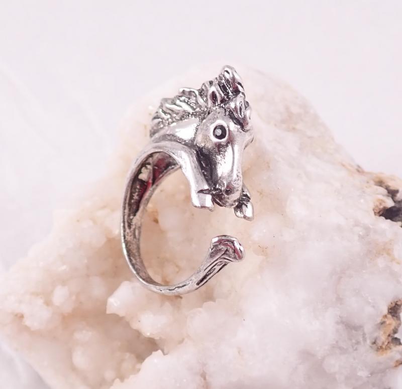 Ló gyűrű
