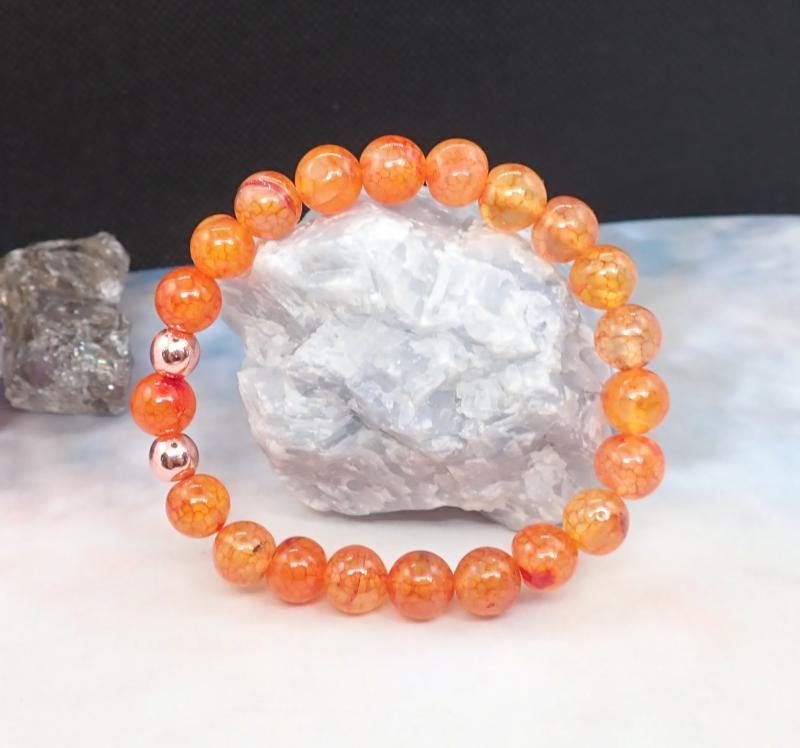 Narancsszín sárkányvér achát karkötő (S)