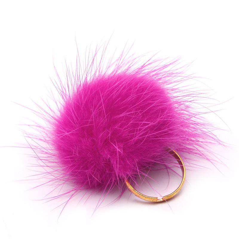 Pink, bolyhos gyűrű