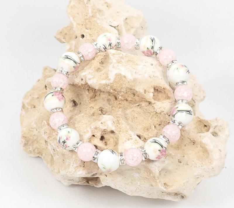 Porcelán és roppantott gyöngy karkötő, rózsaszín