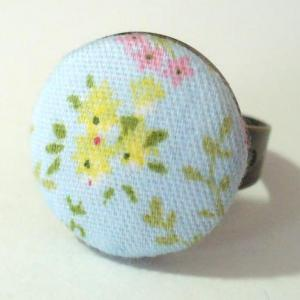 Textilgombos gyűrű, kék-sárga