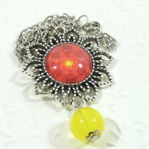 Virág formájú medál