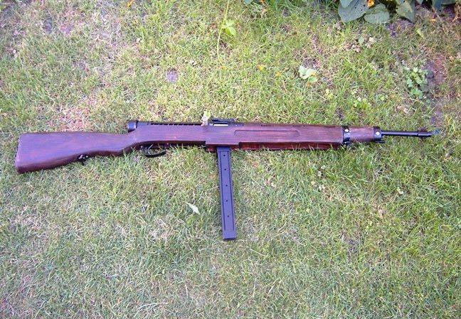 Hungarian Danuvia 39M submachine gun Király géppisztoly replika