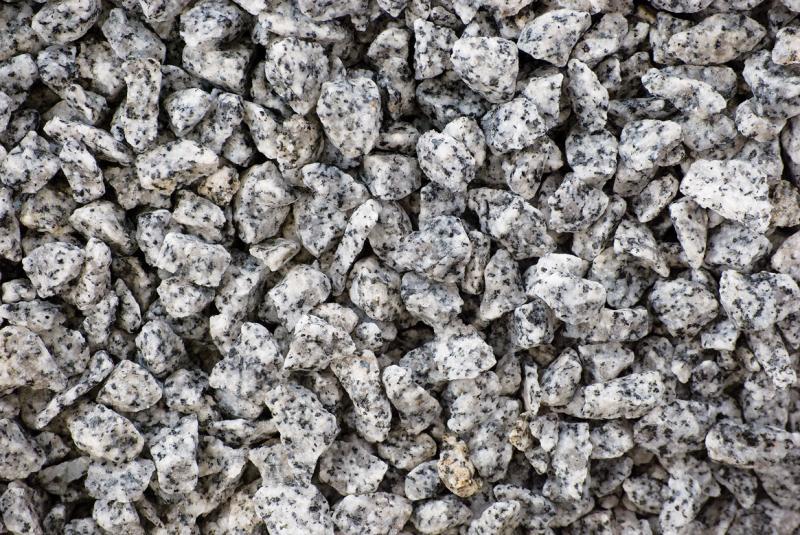 Gránit zúzalék, só-bors, 25 kg/zsák 8-12 mm