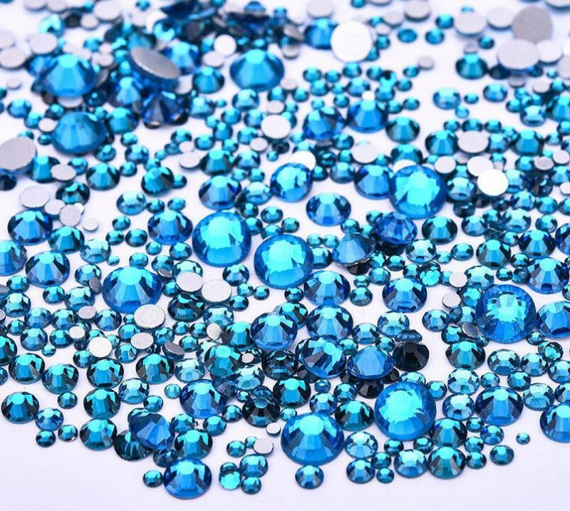 Vegyes méretű kristálykő 720 db 14. Blue Zircon