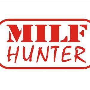 Milf Hunter 1 matrica (M1)