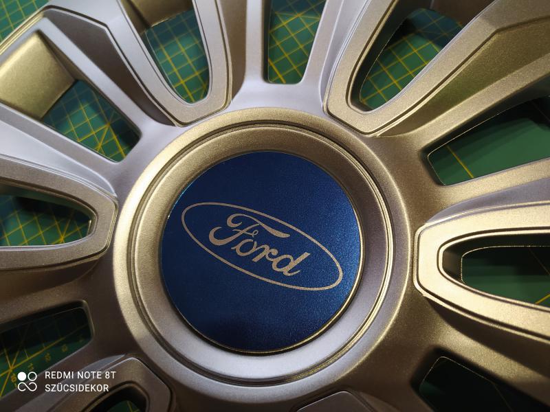 Ford felniközép matrica szett (digit, kör)