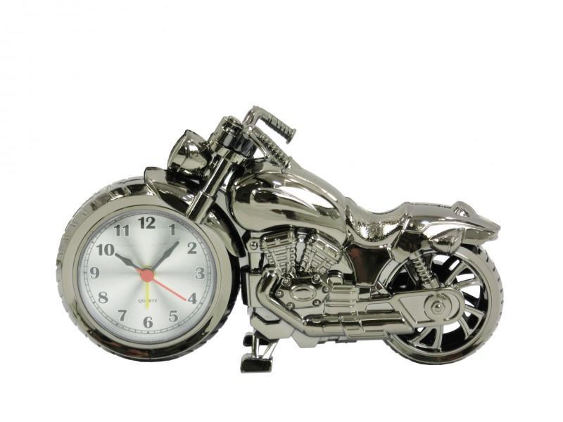 Motoros ébresztő óra 1.  21x12cm, fém színű