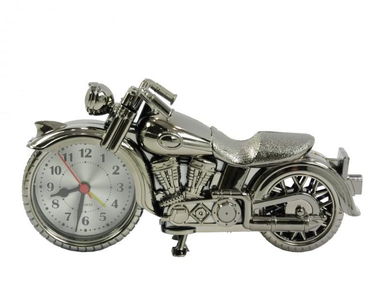 Motoros ébresztőóra 2.  21x11cm, fémszínű