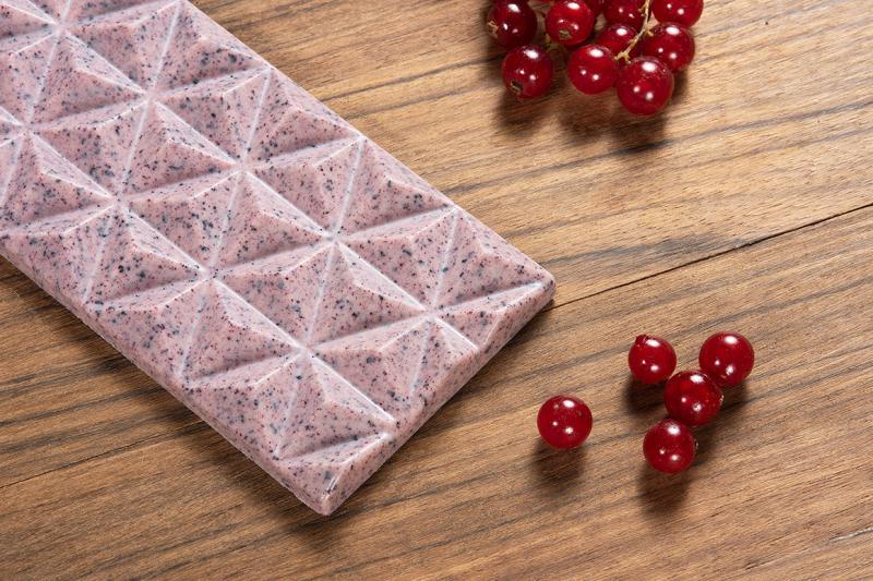 fekete ribiszkés fehér csokoládé