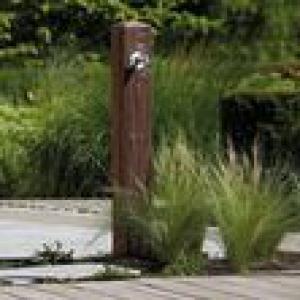 Kerti vízkútállvány sötét fa
