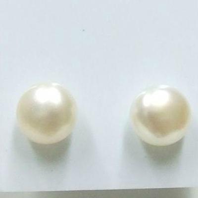 Bedugós tenyésztett gyöngy fülbevaló