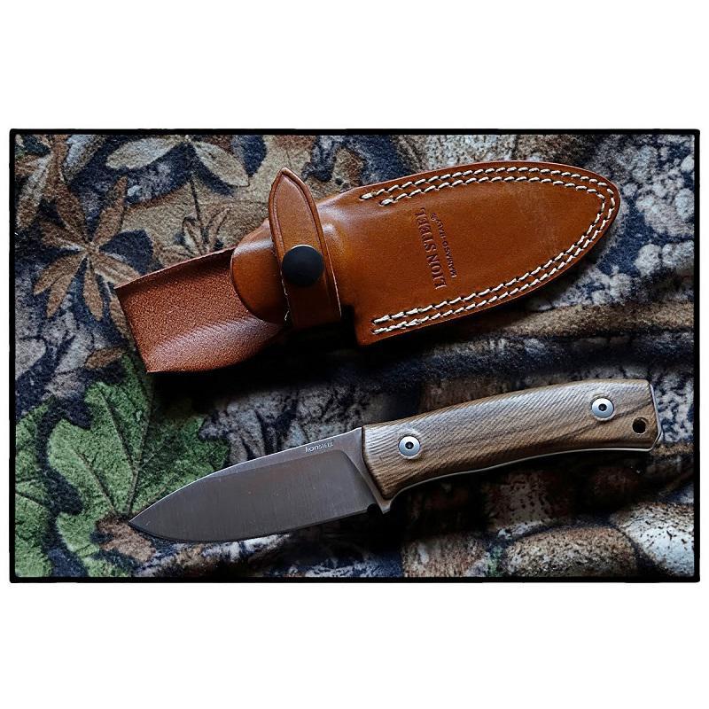 LionSteel M4 Mogyorófa markolatú Outdoor kés