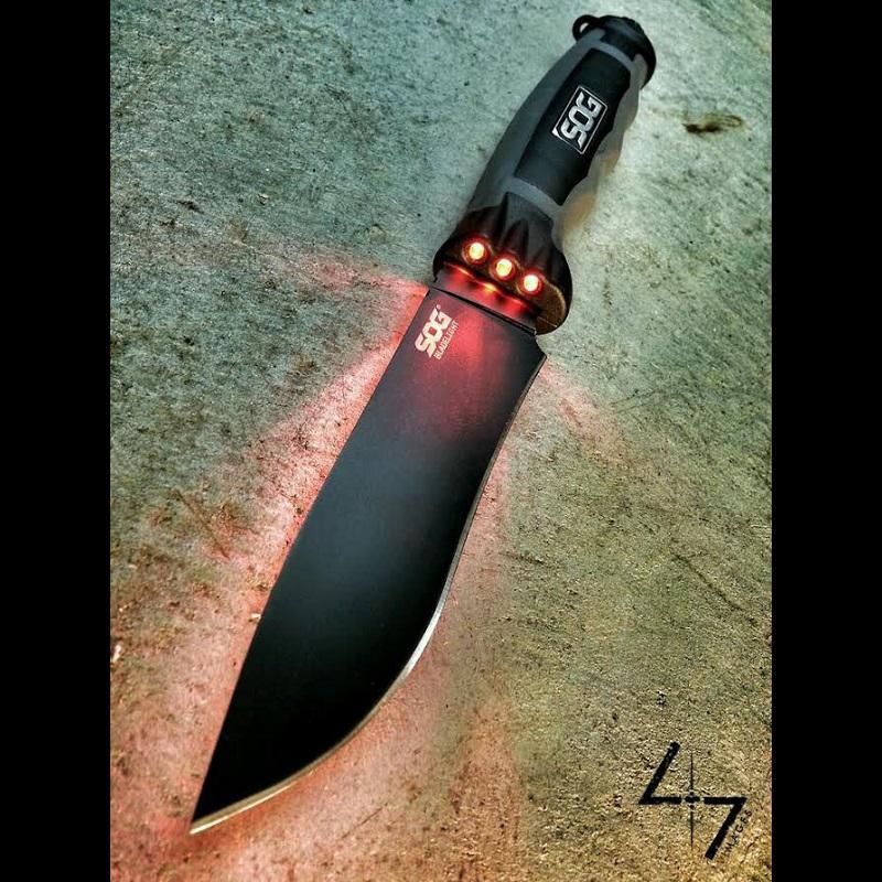 SOG BladeLight Tactical taktikai kés
