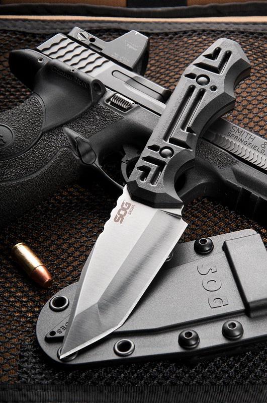 SOG Growl taktikai kés
