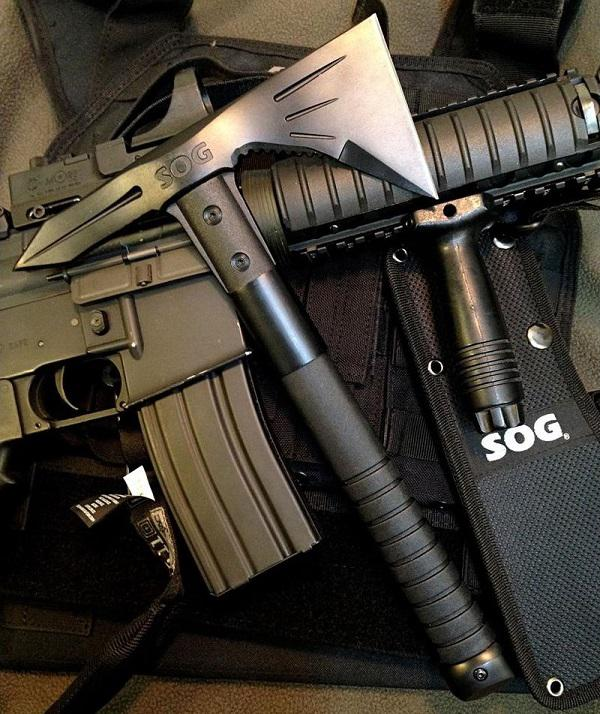 SOG Voodoo Hawk taktikai tomahawk