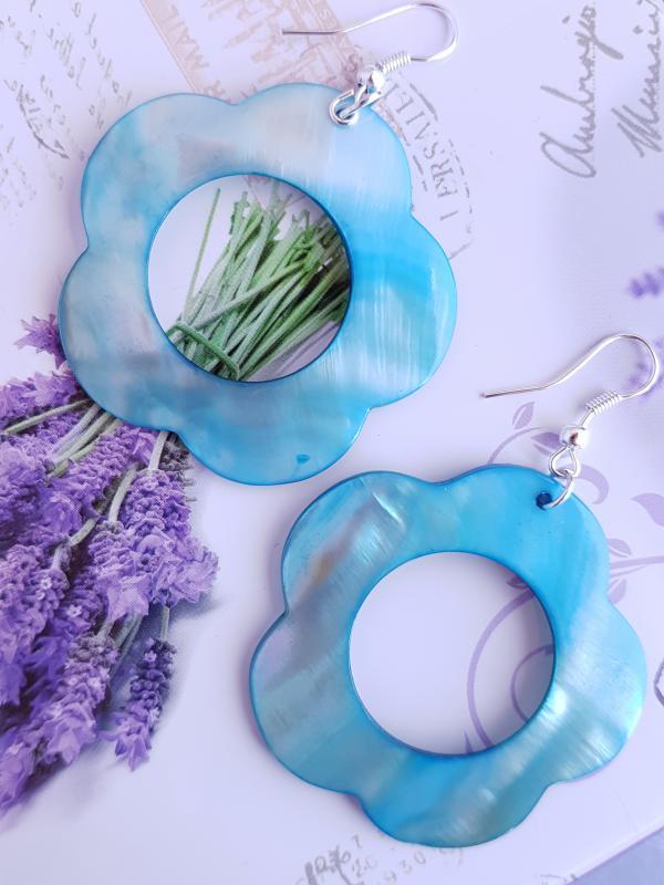 festett kagyló fülbevaló - kék virág