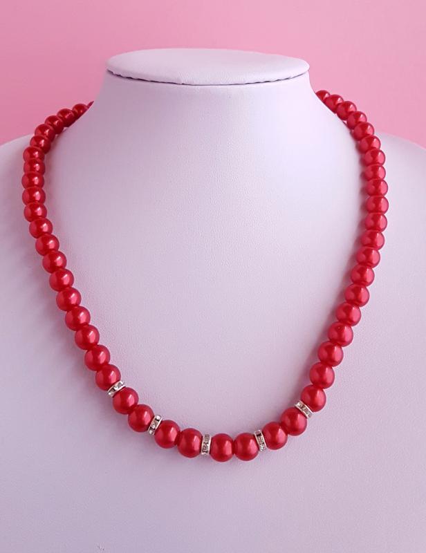 gyönggyel és strasszkővel díszített nyaklánc /piros/