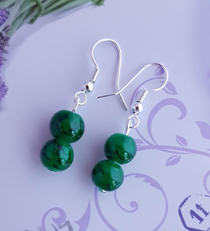 márvány mintás gyöngy fülbevaló - zöld