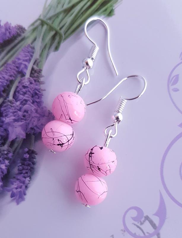 márvány mintás, rózsaszín gyöngy fülbevaló