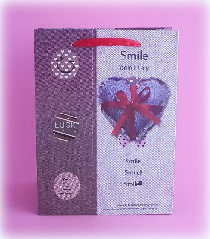 smile don't cry ajándéktasak