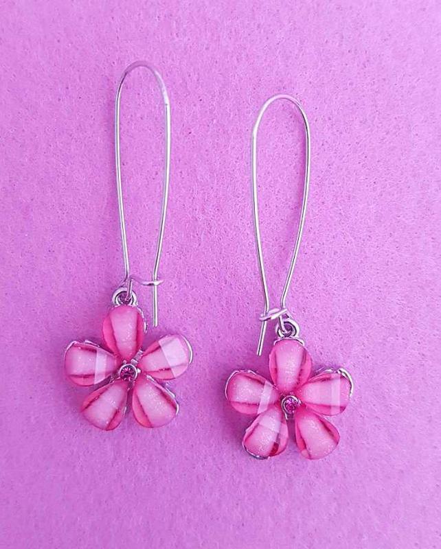 virág formájú fülbevaló /fuxia/